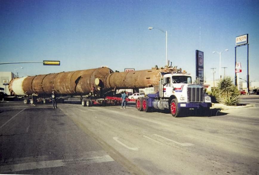 Transporter moving 120 ft pressure vessel